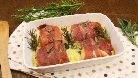 Involtini di pollo e speck al forno: la cena pronta in pochi minuti!