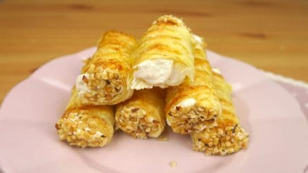 Puff pastry cannoli: an easy to prepare and delicious treat!