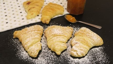 The ingenious method of making sfogliatella (Italian pastry) at home: easy, quick and delicious!