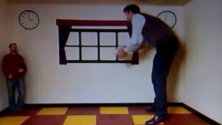 L'illusione ottica della stanza di Ames che fa sembrare piccoli come gnomi o grandi come giganti