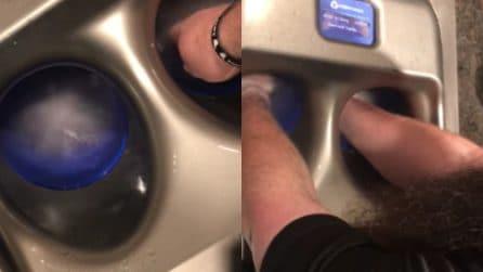 """Un """"tornado"""" di acqua e sapone nel lavandino: ecco a cosa serve"""