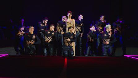 """Grandi emozioni nel live di Alessandra Amoroso all'Arena di Verona per il 'Vivere a colori Tour"""""""