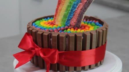 Smarties, kit kat e glassa di zucchero: come preparare la torta con gli smarties