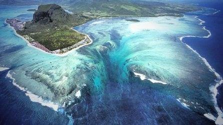 La cascata sottomarina alle Mauritius, la vista dall'alto è mozzafiato