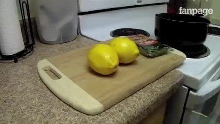 Slice the lemon, mix it with the rosemary: a natural way to make your house smell great