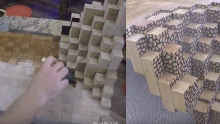 Incolla tanti pezzetti di legno in questo modo: ma quello che fa alla fine è un vero tocco di classe