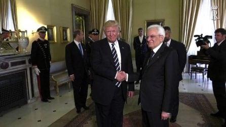 Trump al Quirinale, la stretta di mano con Mattarella: assente Melania