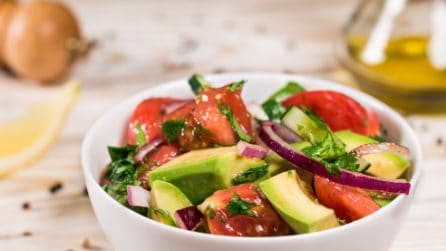 Cucumber, Tomato, and Avocado Salad: the perfect summer recipe