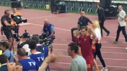 L'ultimo saluto da capitano ai suoi tifosi: Totti si commuove