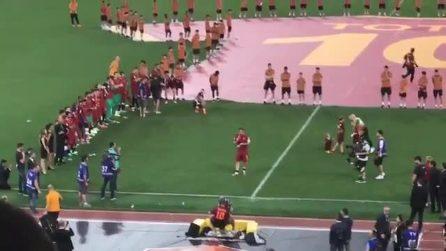 """La commovente lettera d'addio di Totti alla Roma: """"Vi amo"""""""