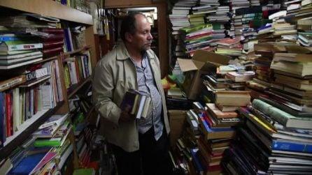 Trasforma casa sua in una biblioteca pubblica: la favola di un netturbino della Colombia