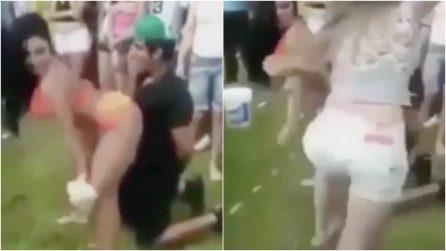 Una sexy ragazza balla per il festeggiato, ma la fidanzata gelosa perde la testa