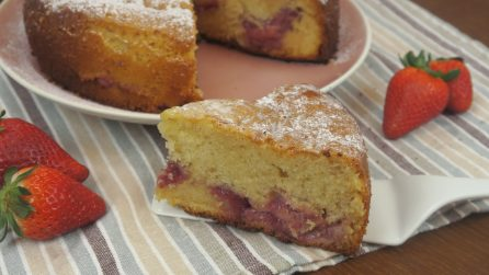 Strawberry cake: an easy recipe for a moist and aromatic dessert!