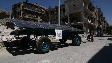 """Siria, energia solare """"mobile"""" nella città assediata di Duma"""