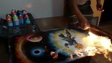 Realizza un disegno con le bombolette spray e poi gli dà fuoco: ecco cosa accade
