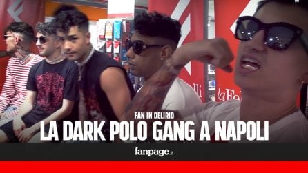 """Dark Polo Gang, caramelle per i fan impazziti a Napoli: """"Sono un riferimento, uno stile di vita"""""""