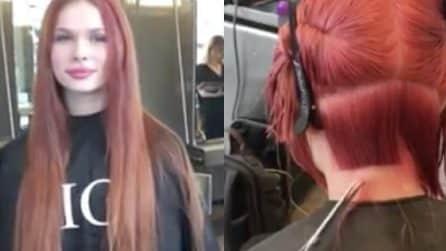 Decide di darci un taglio: la ragazza dice addio ai suoi capelli lunghissimi