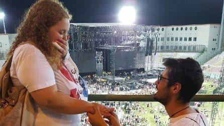 La proposta di matrimonio al concerto di Tiziano Ferro a Messina