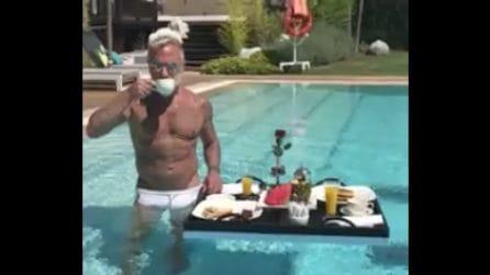 Colazione in piscina per Gianluca Vacchi: caffè, musica e l'immancabile balletto