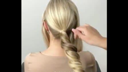 Arrotola le ciocche di capelli e realizza un'acconciatura da sogno: il look perfetto per una sposa