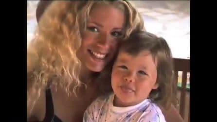 Michelle Hunziker mamma di Aurora a 20 anni: il video dei ricordi pieni d'amore