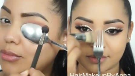 Usa un cucchiaio e una forchetta: l'idea perfetta per il make up