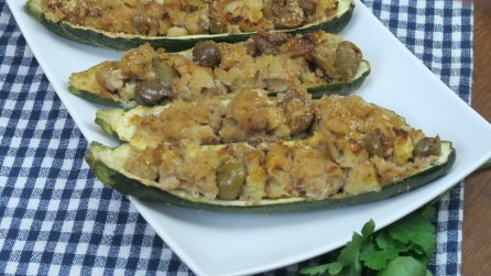 Tuna filled zucchini: your dinner guests will really enjoy this tasty dish