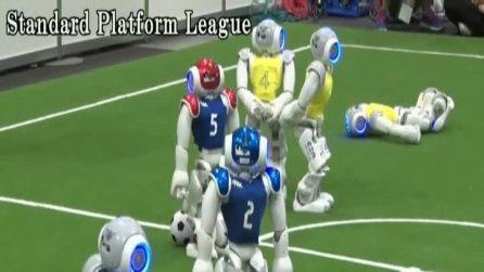 In Giappone arriva il calcio del futuro: sono i robot a giocarlo