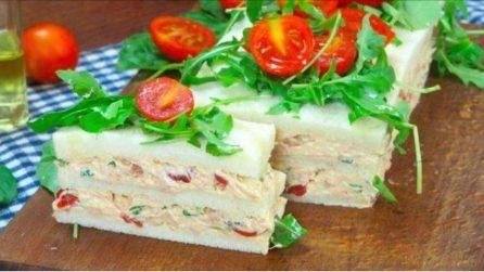 Torta di tonno e pomodorini: l'idea per un aperitivo facile e gustoso!