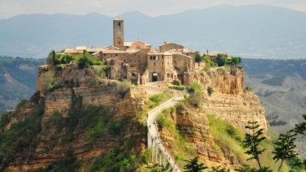 """""""La città che muore"""" è uno dei borghi più belli d'Italia, ma è destinata a scomparire"""