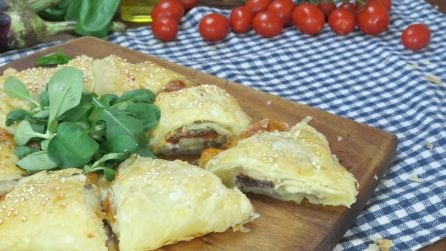 Stella salata di melanzane e pomodorini: l'idea salvacena che non vedrete l'ora di assaggiare!