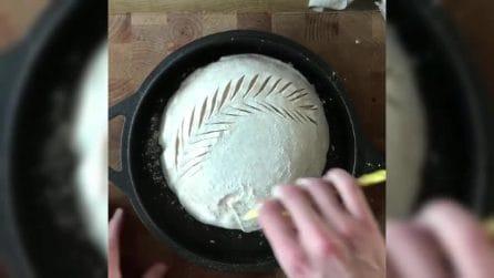 Intaglia l'impasto del pane in questo modo: il risultato vi lascerà a bocca aperta