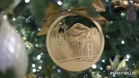 """Il Natale alla Casa Bianca: quest'anno abeti """"rosso sangue"""" per Melania"""