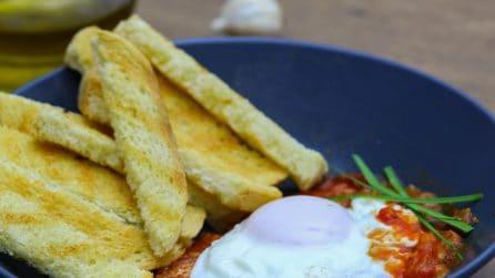 Uova al forno in salsa di pomodoro: una ricetta piena di sapore, facile e veloce!