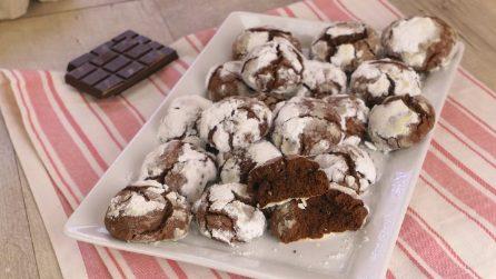 Crinkles: la ricetta originale dei biscotti al cioccolato che hanno conquistato il web!