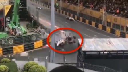 Incidente Formula 3, nuove immagini: la visione frontale dell'incidente è impressionante