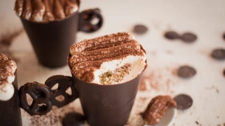 Tiramisù in tazza di cioccolato: il modo più goloso per servirlo!