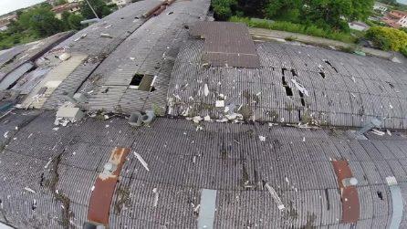 """Centinaia di bambini minacciati dall'amianto. La """"bomba ecologica"""" vista dal drone"""