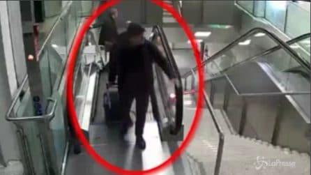 Roma, così rubano le borse all'aeroporto di Fiumicino