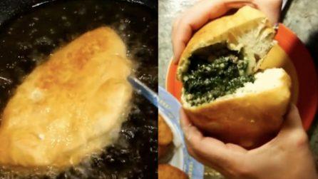 Pizza fritta con broccoli e salsiccia: una gioia per il palato