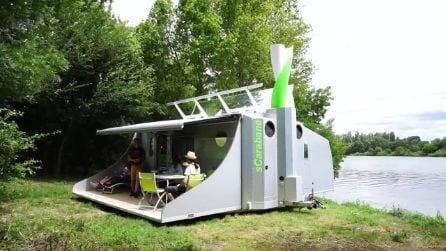 A bordo del camper rotante che insegue il sole e produce energia