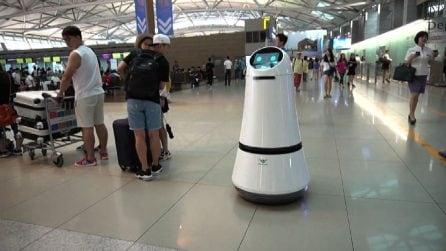 Robot facchini e riconoscimento facciale: l'aeroporto del futuro