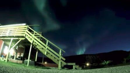 Norvegia, luci e colori illuminano la notte: lo spettacolo dell'aurora boreale