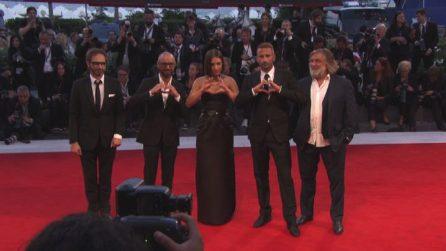 """Festival di Venezia 2017, il red carpet de """"La Fidèle"""" con la neo-mamma Adèle Exarchopoulos"""