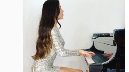 La bellissima pianista che incanta i suoi fan su Instagram