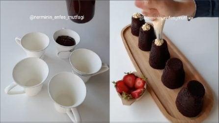 Mette l'impasto nelle tazzine: l'idea originale per cuocere i muffin