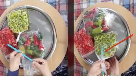 Mette una cannuccia nei sacchetti: un ottimo metodo per congelare gli alimenti