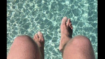 Il mare sembra una piscina: i colori mozzafiato di Cala Gonone