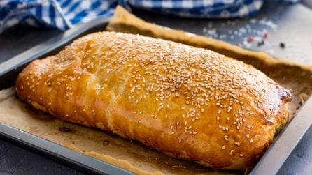 Giant Cheeseburger Wellington, perfect for a tasty dinner!