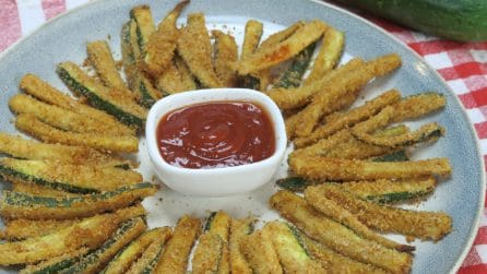 Crunchy oven zucchini sticks: a tasty side dish that is also very easy to make.